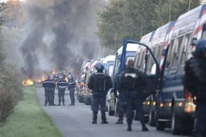 Notre_Dames_des_Landes_ZAD_eviction_expulsion-400x267.img_assist_custom-300x200