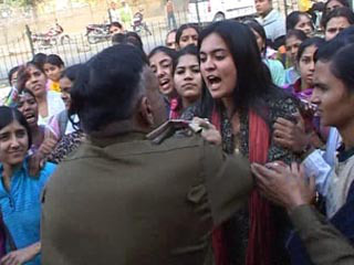eve_teasing_sexual_harassment_india_nepal_rising-culture-in-delhi