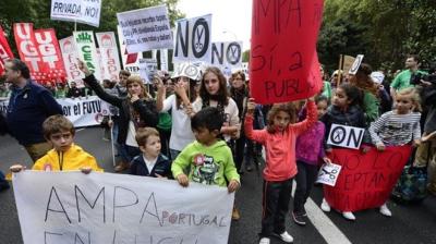 Huelga-Educacion-Espana_TINIMA20121018_0359_5