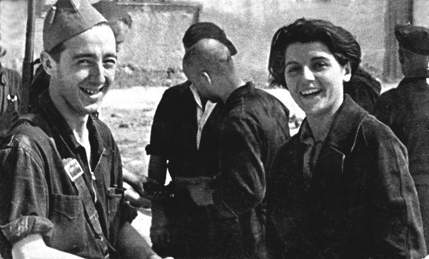 Marina  and brother Alberto Ginestà reunited after the Ebro battle in Bujalaroz, 1936. . This is the photo Marina preferred and this good copy was sent to this blog today 16/1/14 by her son Manuel,, with many thanks !