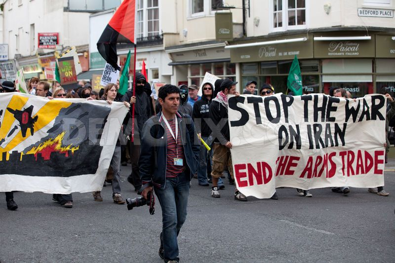 1338854368-stop-the-war-on-iran-and-end-the-arms-trade-protest-held-in-brighton_1256468