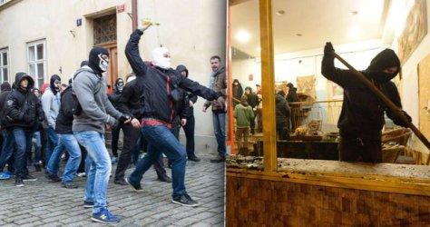 2586660-img-klinika-utok-centrum-praha-uprchlici-demonstrace-demonstranti-neonacisti-v2