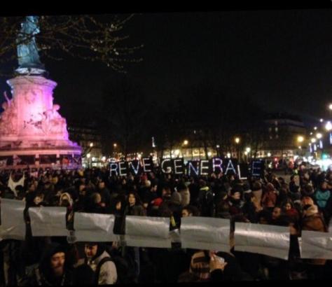 Nuit-debout-Paris_image-gauche