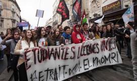 A Montpellier, le 17 mars 2016, pres de mille etudiants ont manifeste contre le projet de loi El Khomri./SURROCALAURA_SURROCA132403/Credit:LAURA SURROCA/SIPA/1603181328
