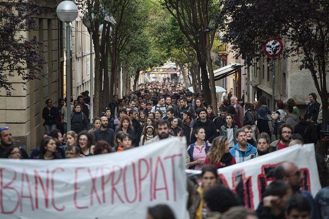 Manifestació-desallotjament-Banc-Expropiat_EDIIMA20160524_0006_5