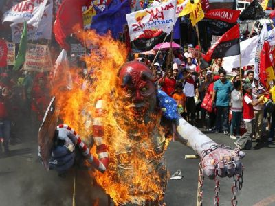 Burning the President:  Mayday in Manila