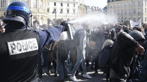 ob_b01ef7_police-repression-loi-travail