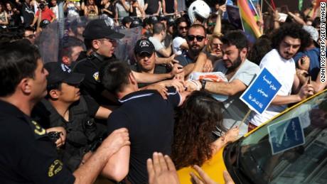 Turkish police attack Gay Pride Demo