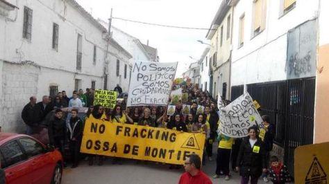 Manifestacion-fracking-Montiel-Ciudad-Plataforma_EDIIMA20150301_0221_13