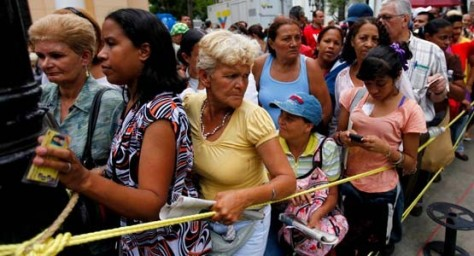 555x300xcola-de-mujeres-en-venezuela-090315jpg-jpg-pagespeed-ic-n8qeglhhrm