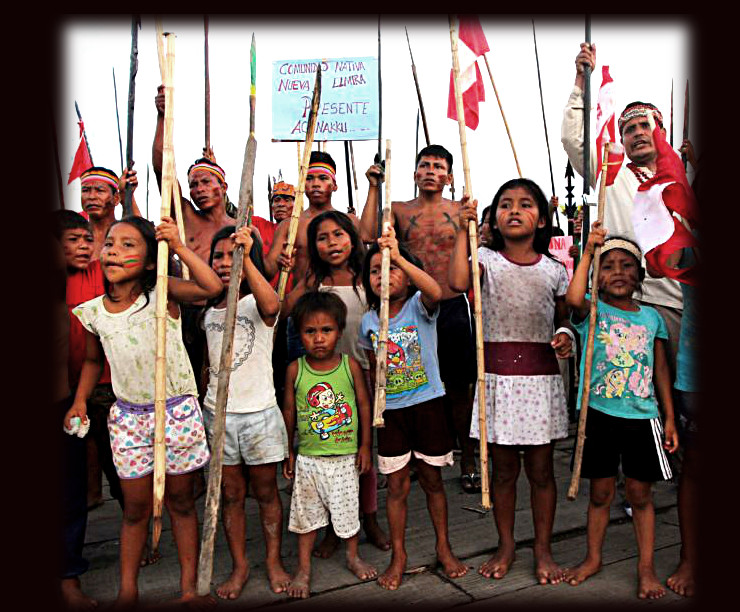 Children join the 4 month long river blockade in Saramurillo, Oct 2016