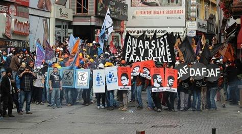 2014-1-mayisinda-istanbul-her-yer-taksim-her-yer-direnis-37556