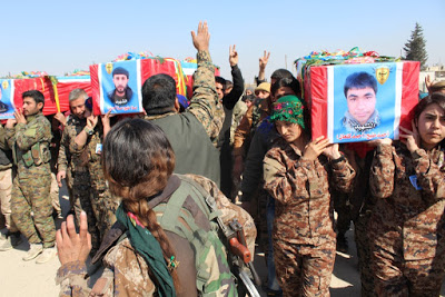 Hundreds of Manbij people gathered in front of the Euphrates Hospital whre the funerals of the three fighters took place. Ehmed Kenan (Ehmed Minbic), Mele Ehmed (Mele Minbic) and Yusif Merto (Şiyar Tirkmenî) were killed in the town of Arima, 25 km west of the city. . After a military ceremony organized by Manbij Military Council Emre Mihemed, a member of the House of Martyrs, made a speech and said that freedom fighters fed their lives to defend the country's lands. Co-chairman of the Manbij Civilian Assembly Ibrahim El-Qefit gava a postivice message in sipte of the sorrow and said in his speech, 'We will definitely win.'