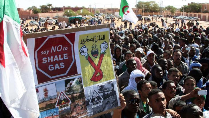 2_algerien_proteste_foto_picture_alliance_abaca_b_billal