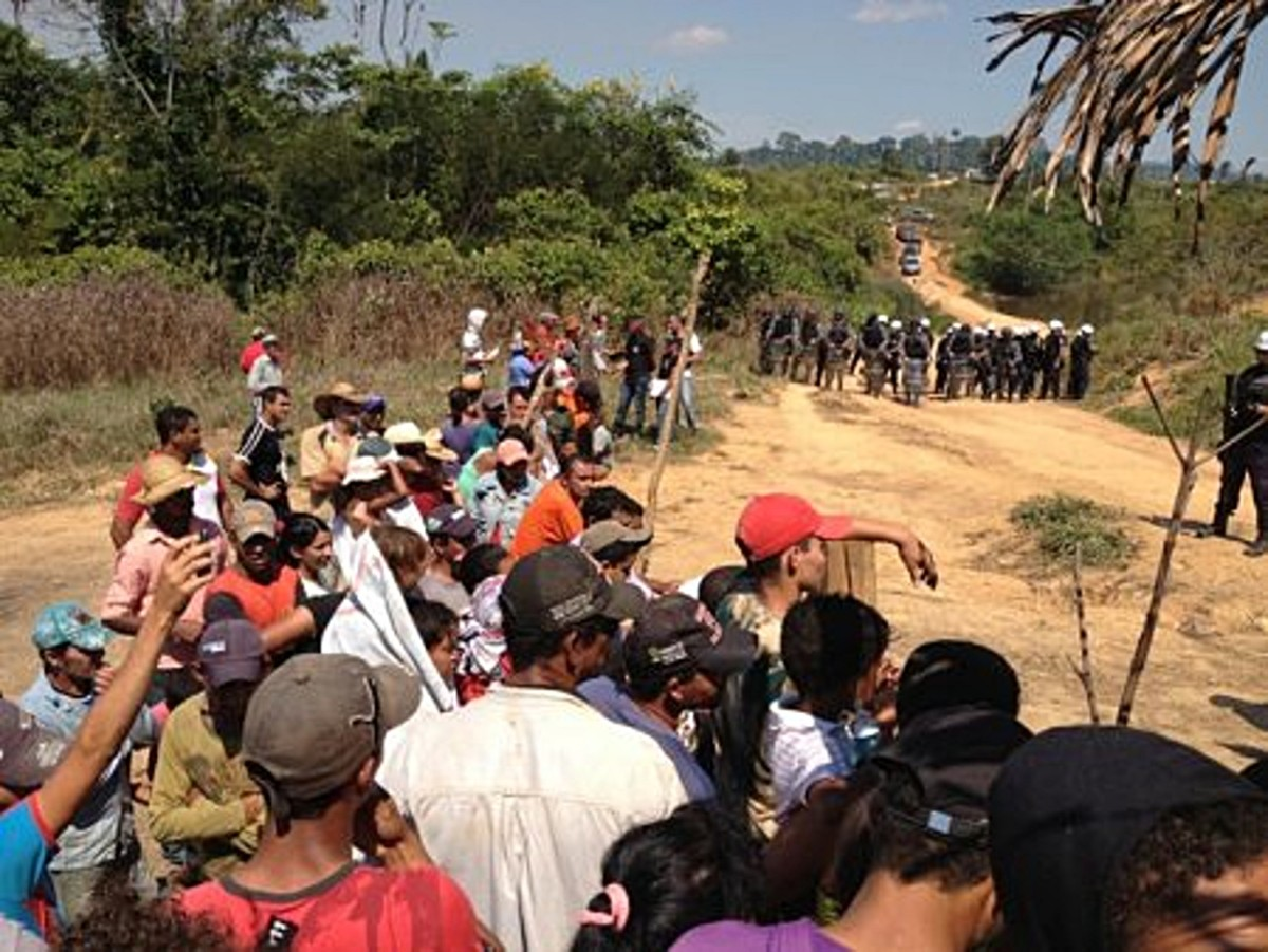 BRAZIL: Army and Military Police evict 400 families in Porto Velho