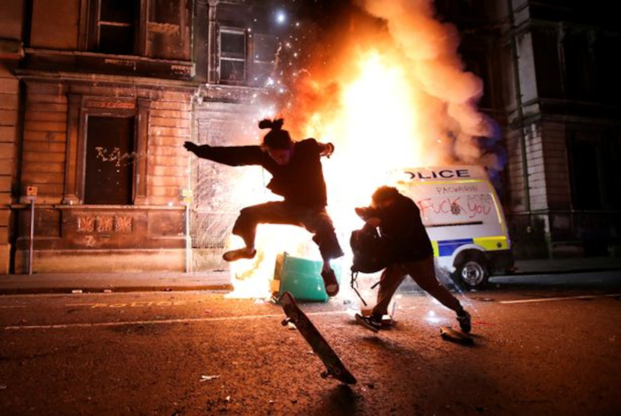 This image has an empty alt attribute; its file name is 0_protest-against-new-proposed-policing-bill-in-bristol.jpg